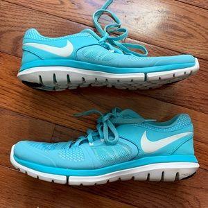 Nike Flex Tennis Shoe